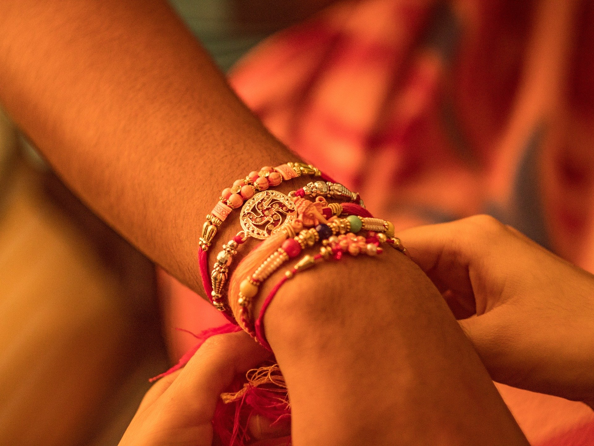 Best Gift Ideas for Your Sibling to Surprise on Raksha Bandhan