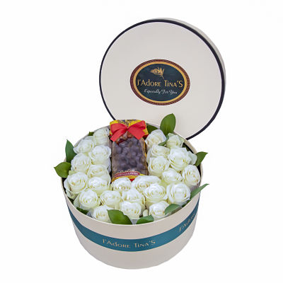 Wedding Gifts in Dubai-Chocolate Crispy and Roses