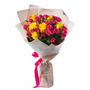Wedding Anniversary Gifts in Dubai-Day with Smile Flowers